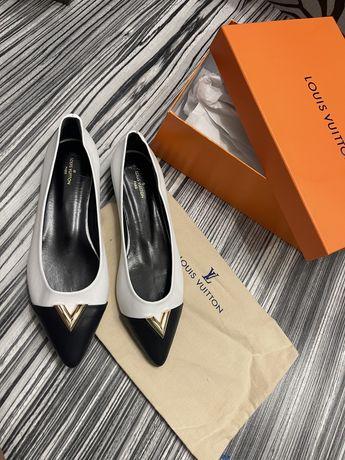 Balerini Louis Vuitton - piele naturală - mărimi 36-40 . Poze reale nu