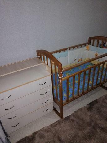 Продам детскую кроватку +комод-пеленальный столик.