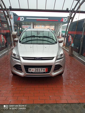 Ford kuga 2.0 diesel 4x4 180 cp euro6 xenon parțial piele leduri panor