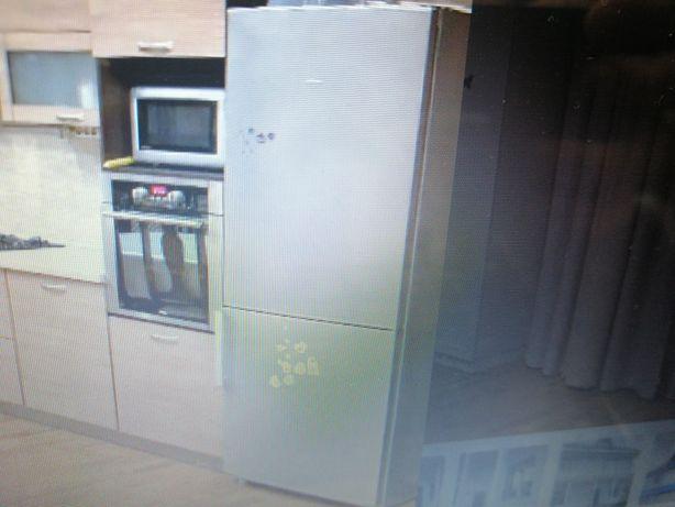 Холодильник серый