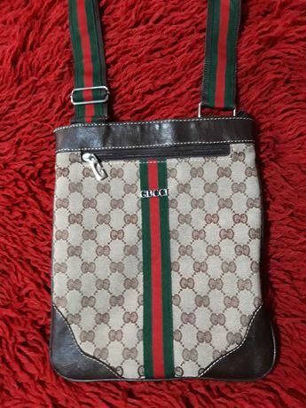 Чанта през рамо Gucci