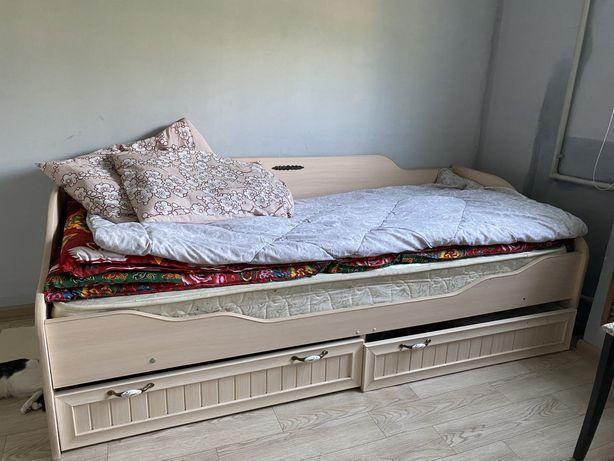 Кровать - односпальная