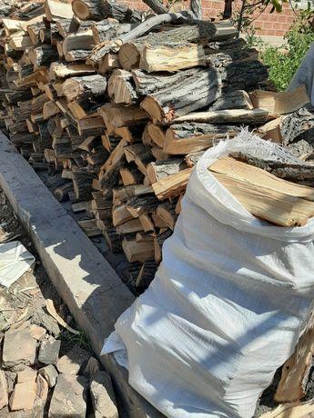 Дрова берёза карагач дуб доставка дров ЗИЛ береза драва мешками