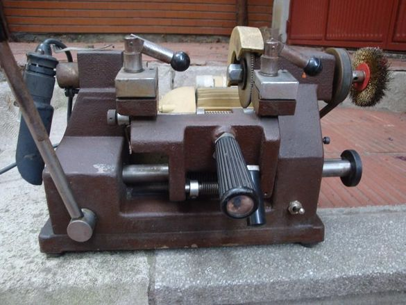 ERREBI-професионална ключарска машина