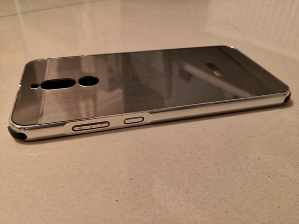 Vând husa Huawei mate 10 lite