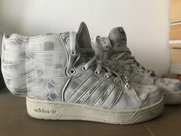 Vând Adidas Jeremy Scott Marble Wings