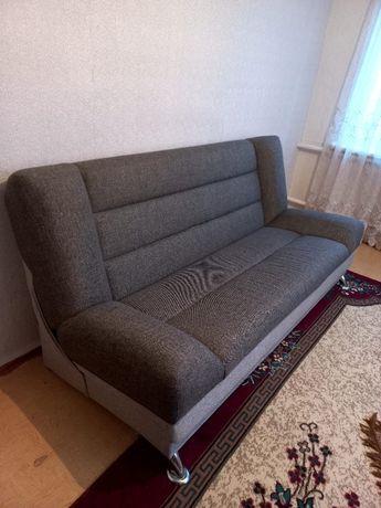 Продам.Диван с креслом, прихожая и подставка под телевизор
