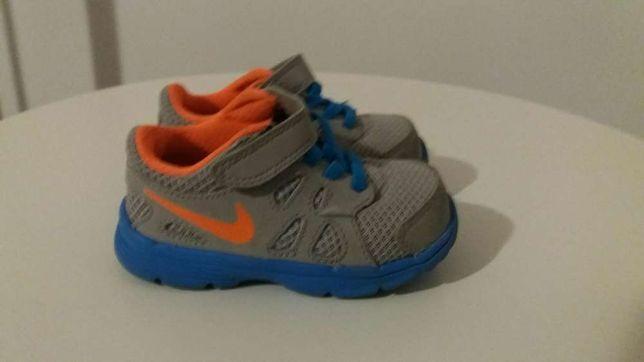 Adidas Nike nr 20