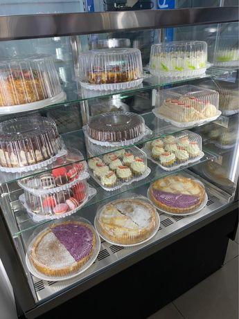 витринный холодильник для торта