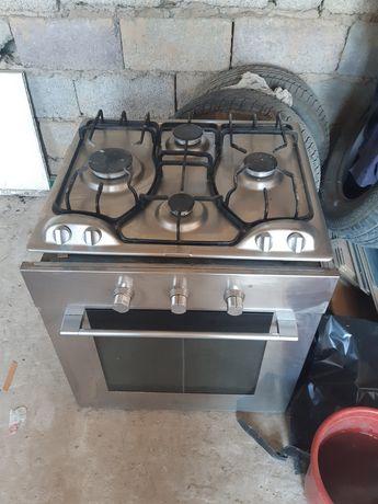 Газ плита +духовка электрический, вытежка