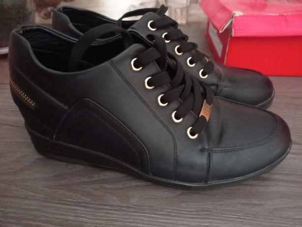 Женская обувь продам