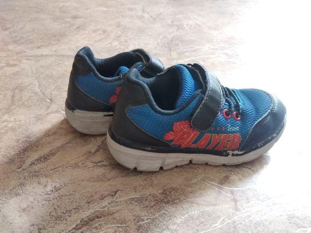 Продам кроссовки 27 размер