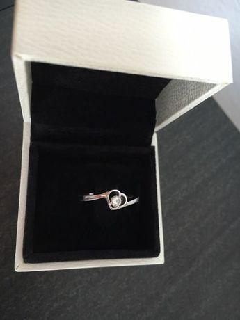 Inel de logodna aur alb 18K cu diamant - Rafael Jewelry