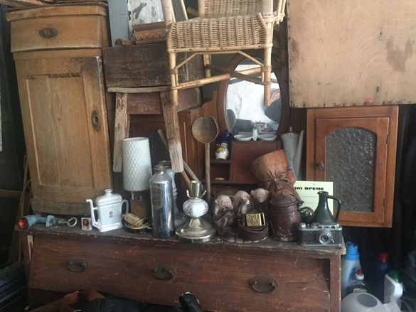 Стари вещи и шкафове