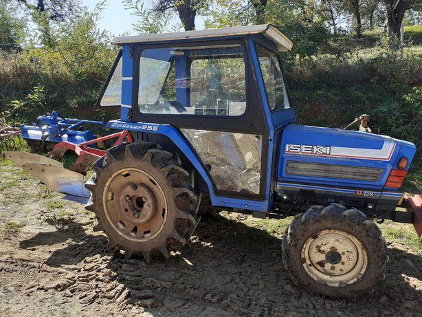 tractor japonez iseki 255 de 26cp 4x4 cu cabina