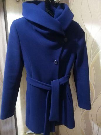 Продам пальто (синие)