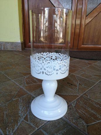 Decor de metal și sticla pentru candele sau flori