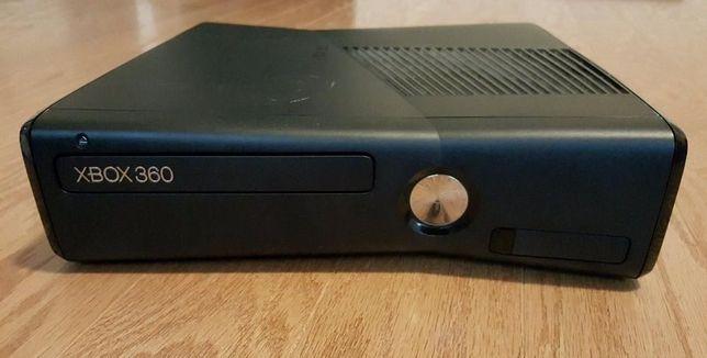 Vand Consola xBox 360 Slim FARA accesorii