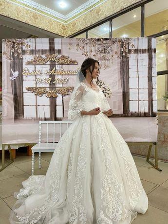 Срочно Королевский свадебный платья