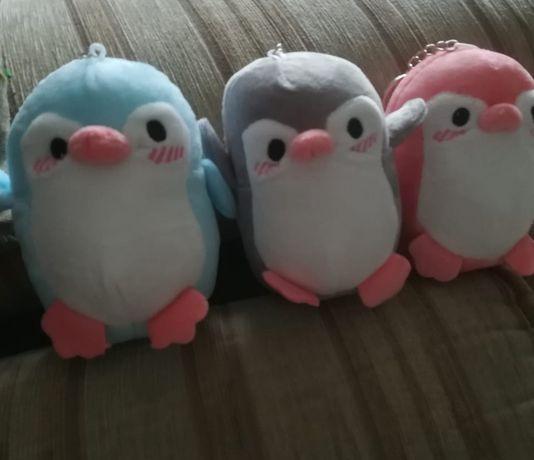 Пингвины мягкие брелки