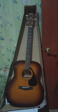 Продам акустическую гитару Yamaha f 310