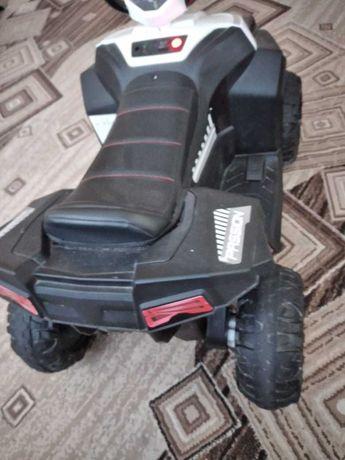 электрический детский квадроцикл