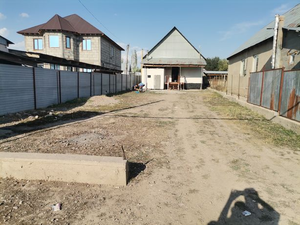 Продается срочно дом  возле школы