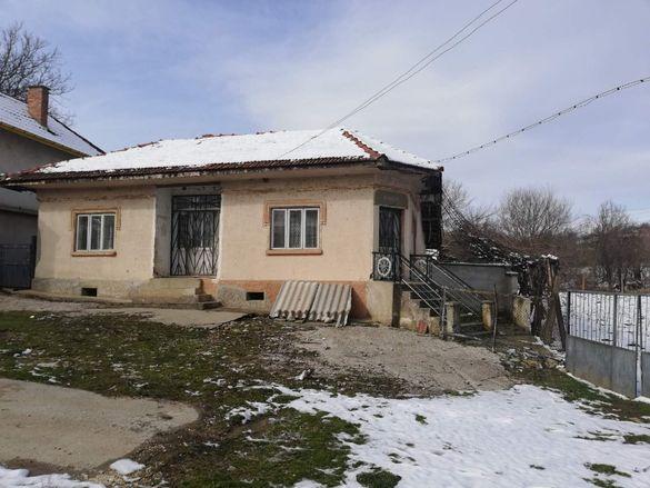 Едноетажна къща в село Сребърна