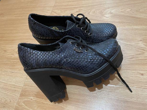 Модные туфли под рептилию