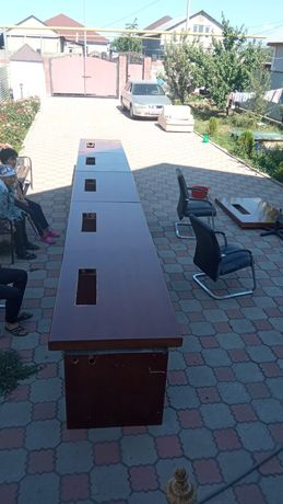 Продается офисный стол 8 метров
