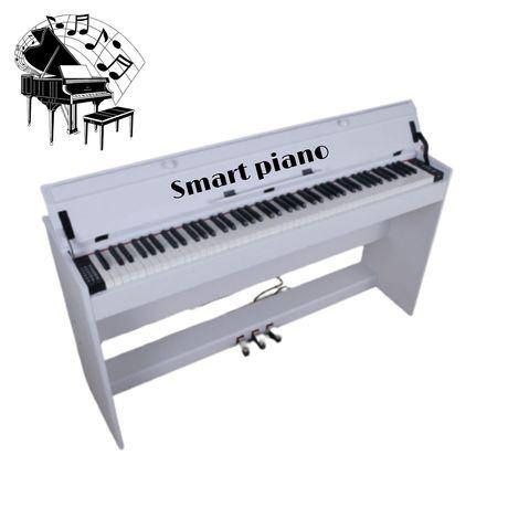Молоточковое цифровое пианино в деревянном корпусе