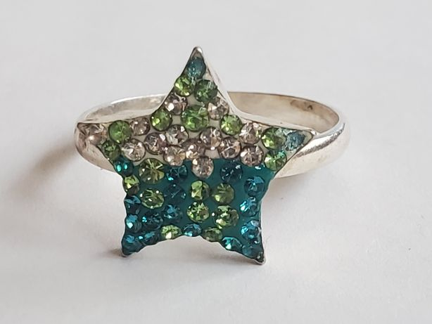 A 597, inel argint 925, nou si marcat, model stea, zirconii