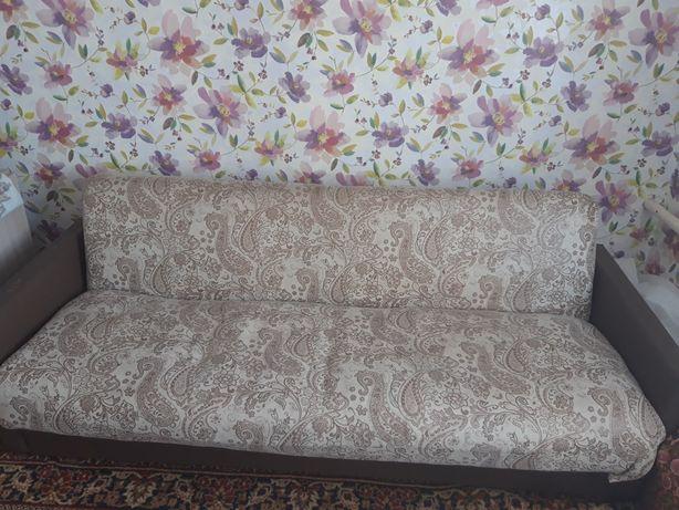Продам диван. Материал