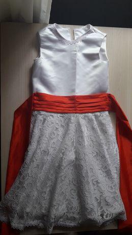 Продам бальное платье на 6-7 лет