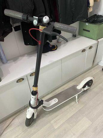 Электросамокат Xiaomi MiJia Smart Electric Scooter (M365)