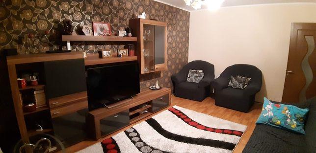 Vând apartament cu 3 camere zona Aurel Vlaicu
