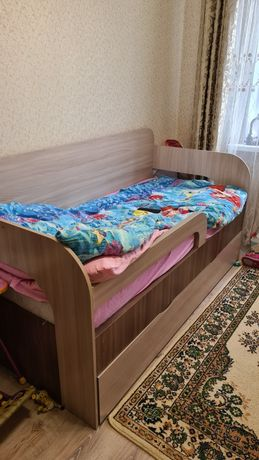 Продаю кровать с матрацем размер 185 на 87