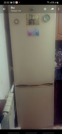 Продаю холодильник .