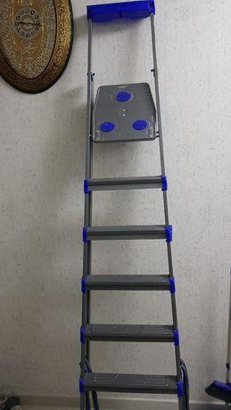 Продам стремянку лестницу