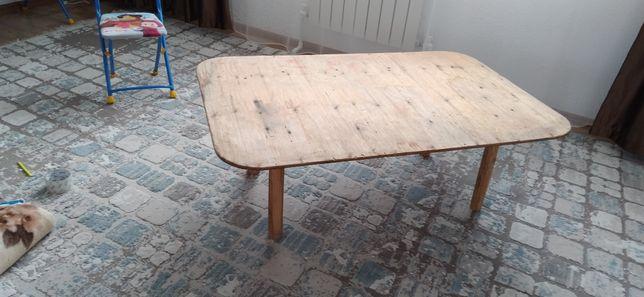 Продам столик маленький высотой 40см длина 120см ширина 80см