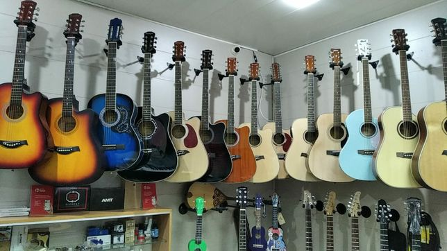 Гитары .укулеле. аксессуары в наличии и на заказ.