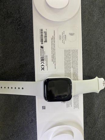 Apple watch series 6 white sport band