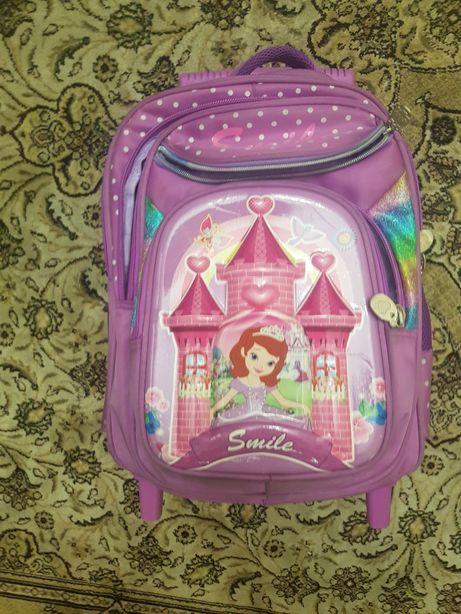 Продам рюкзак школьный на колесах