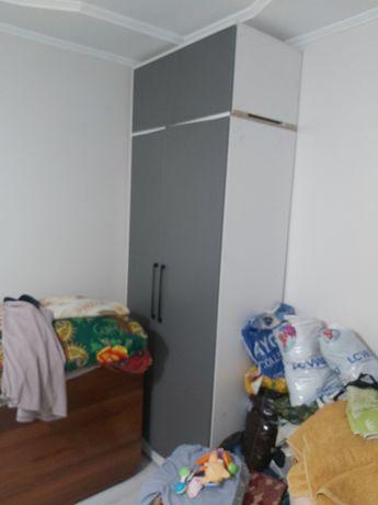 Кровать с матрасом и с шкафом