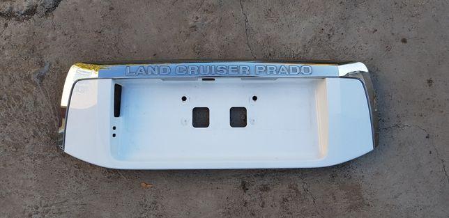 Накладка двери багажника Land Cruiser Prado 150