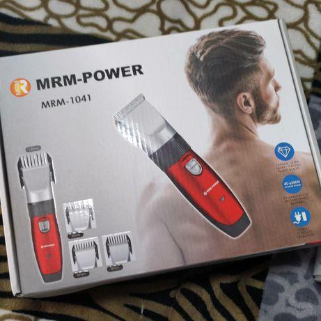 Машинка для стрижки волос и бороды