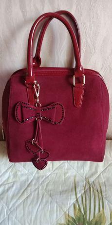Продам необычную сумку цвета бордо (лаковая кожа + замша)