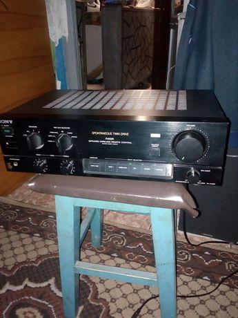 "Amplificator ""Sony F-410R"" 4x60w/4-16 omi."