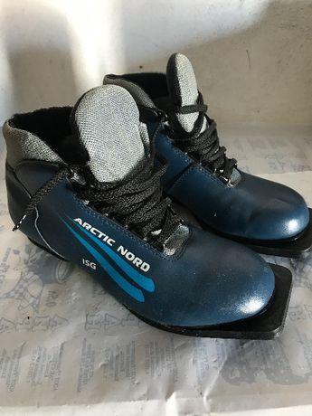 Ботинки лыжные с креплениями