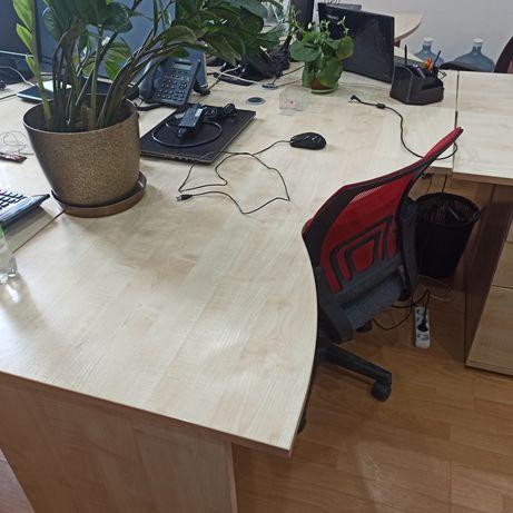 Столы офисные с тумбой